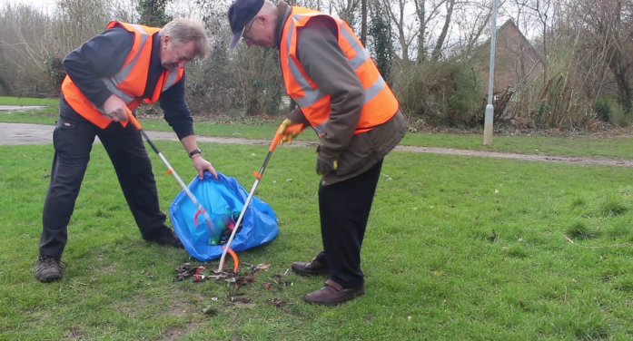 Litter pickers get stuck into national campaign